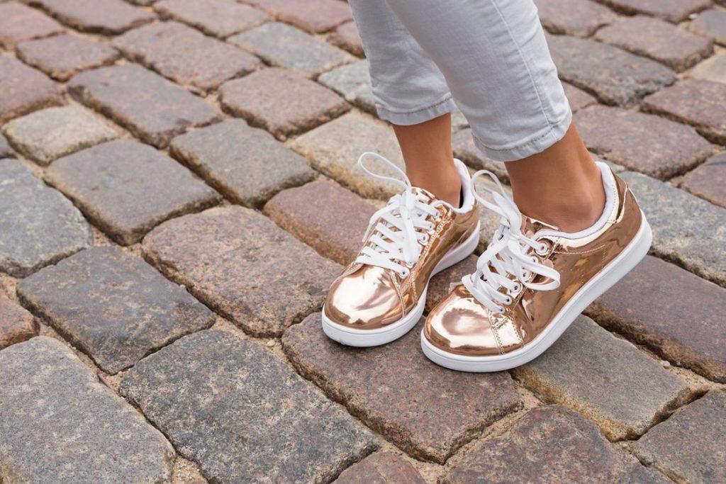 Brilli brilli, como combinar zapatos dorados