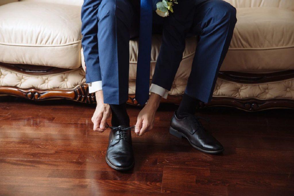 Nos vamos de boda, como debe ser el calzado del novio y la novia novio