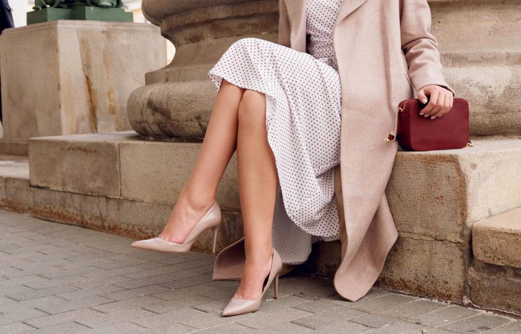 Qué calzado llevar con falda larga