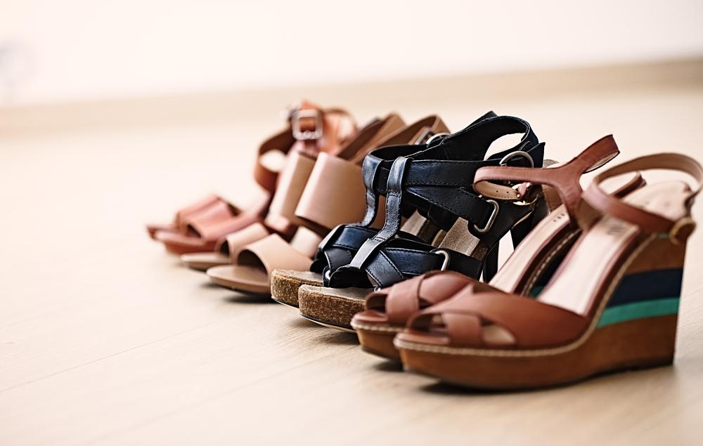 Sandalias y medias, es una combinacion posible imagen