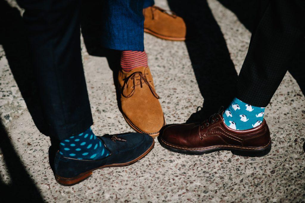 introduce color zapatos casual hombre imagen